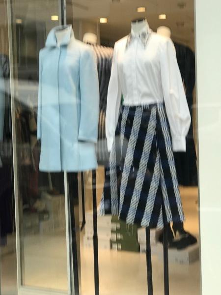 青山で今夜はファッションズナイトらしい_e0397389_14301361.jpeg