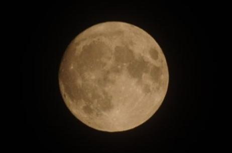 夕陽や月や_c0125899_11343438.jpg