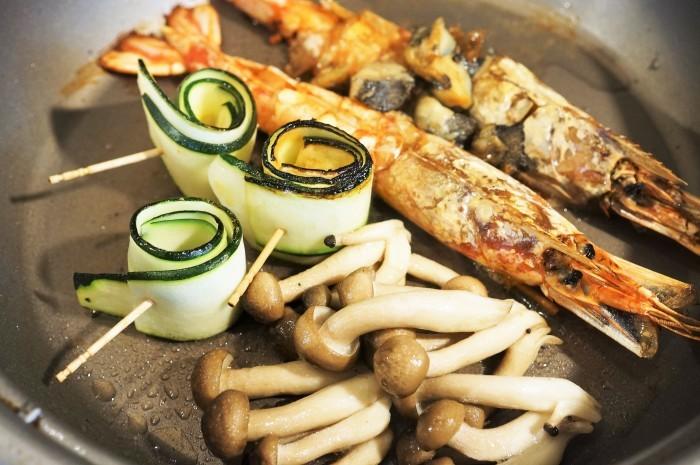 ■にんべんモニター料理で【赤海老とつぶ貝のガーリッククリームチャウダー】_b0033423_21355716.jpg