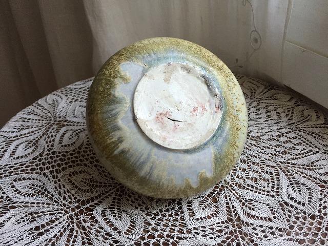 イエローグリーンのツボ型花瓶_f0112550_04101177.jpg