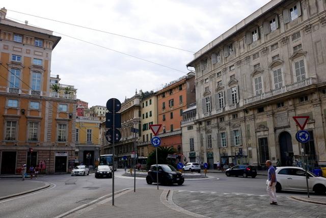 ジェノヴァ~美しい街並み残る港町~_b0358575_09552939.jpg