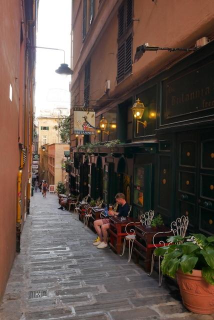 ジェノヴァ~美しい街並み残る港町~_b0358575_09584900.jpg