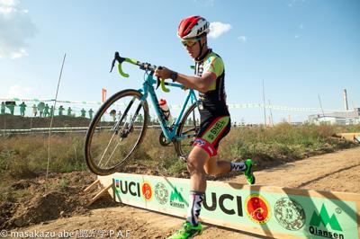 金栄堂サポート:SNEL CYCLOCROSS TEAM・積田連選手 UCI C1 Qiansen Trophyご報告&FACT×ICRX NXT調光レンズインプレッション!_c0003493_21080491.jpg
