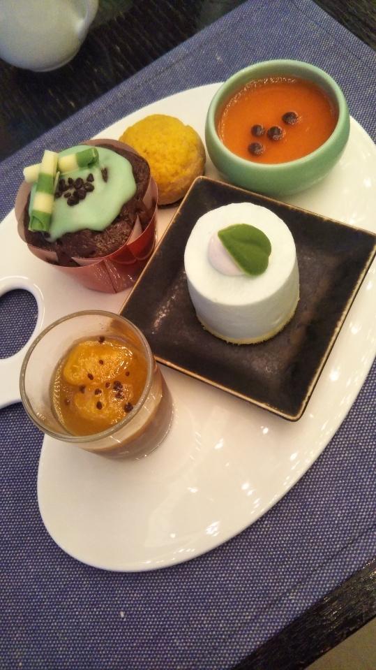 ANAインターコンチネンタルホテル東京 シャンパン・バー カラーフルーツ・スイーツブッフェ_f0076001_00073072.jpg