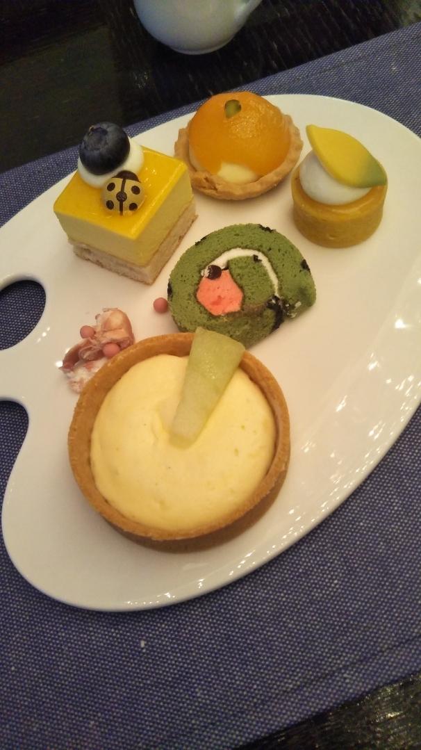 ANAインターコンチネンタルホテル東京 シャンパン・バー カラーフルーツ・スイーツブッフェ_f0076001_00090703.jpg