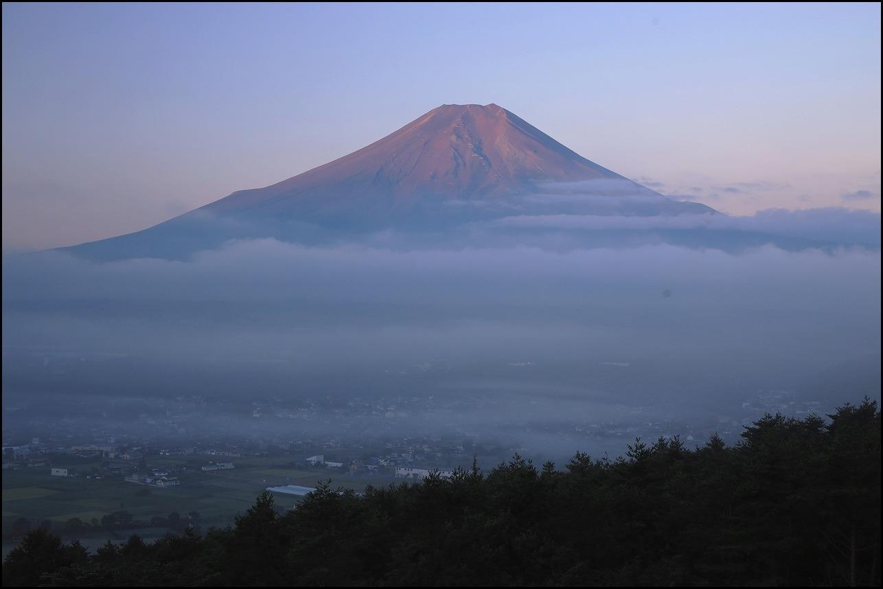 高座山の夜明け_a0188405_19432341.jpg