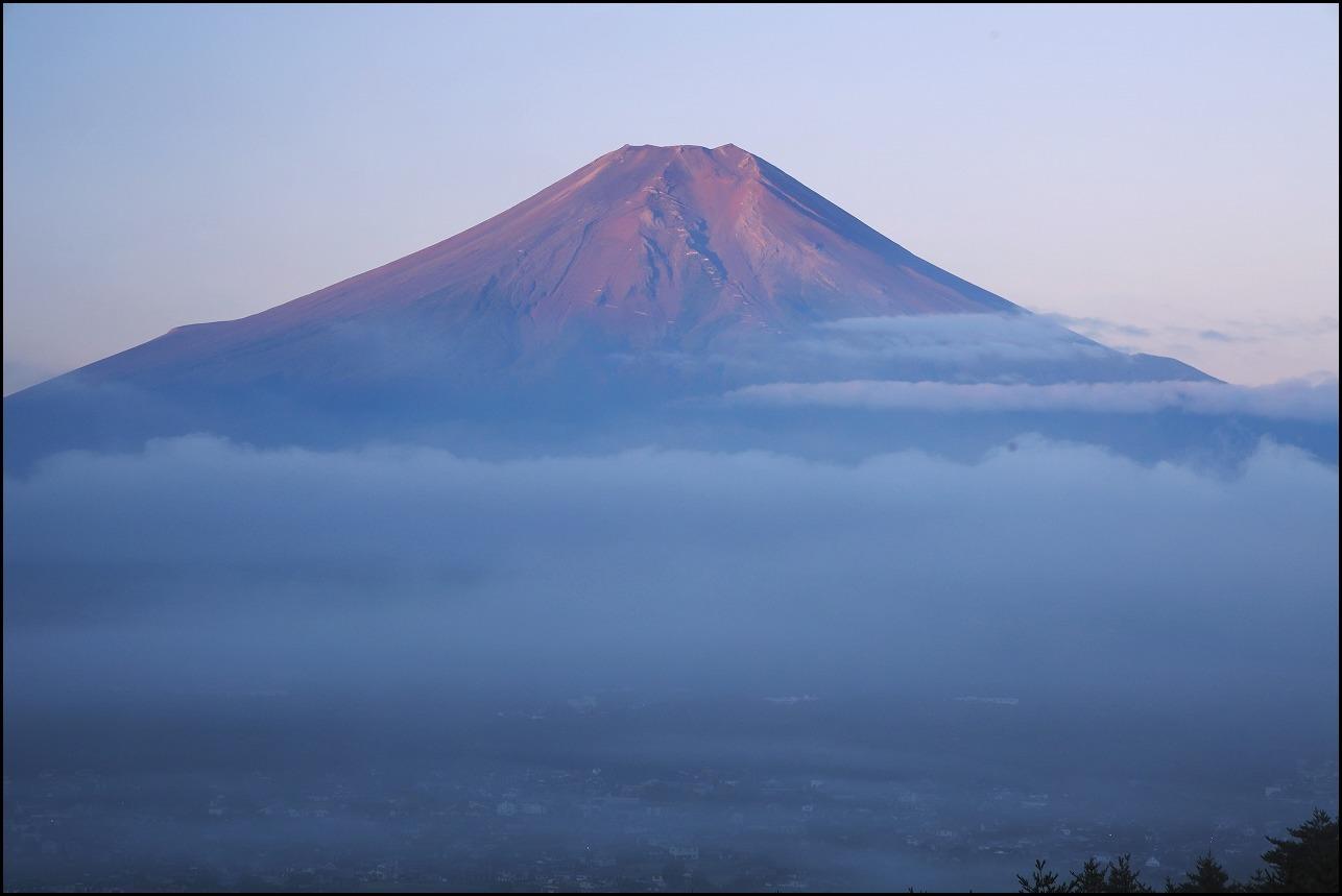 高座山の夜明け_a0188405_19433400.jpg