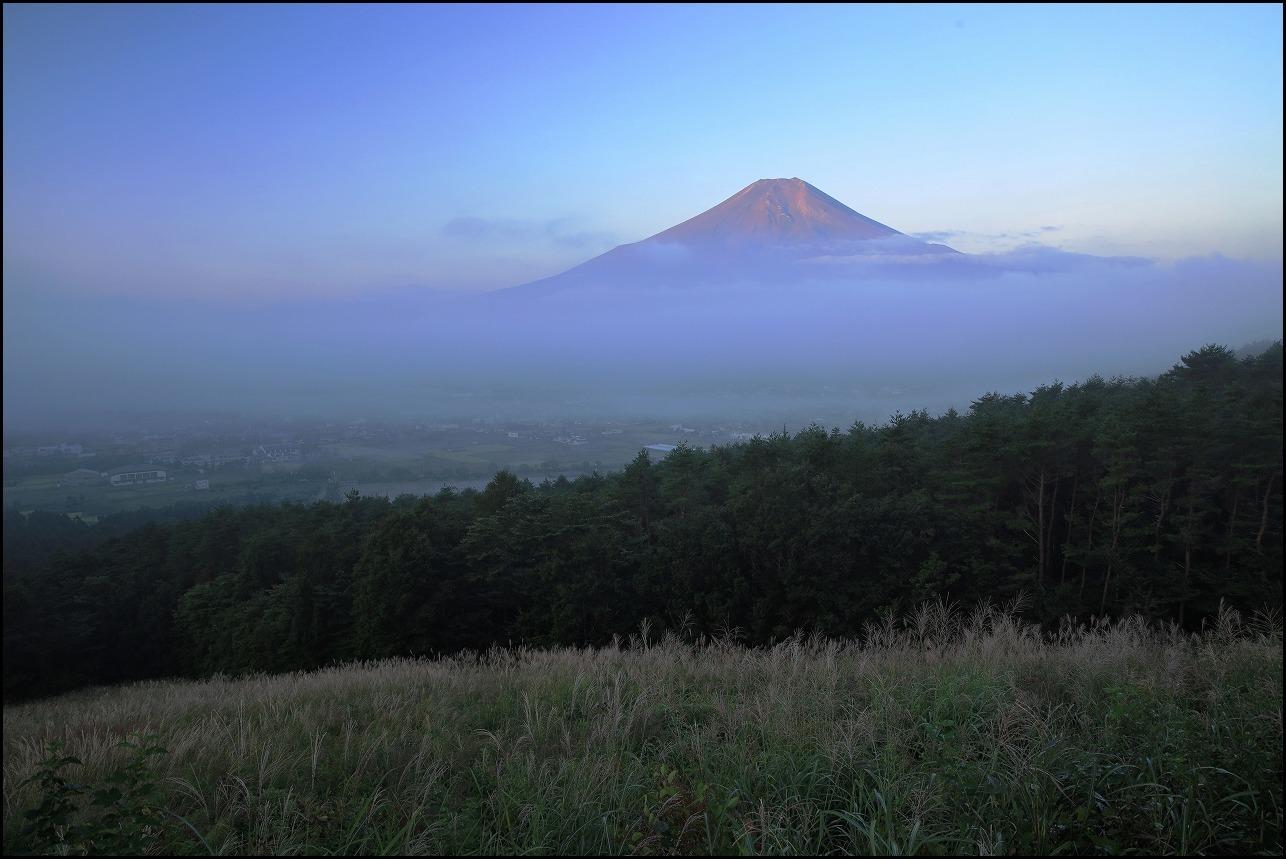 高座山の夜明け_a0188405_19434427.jpg