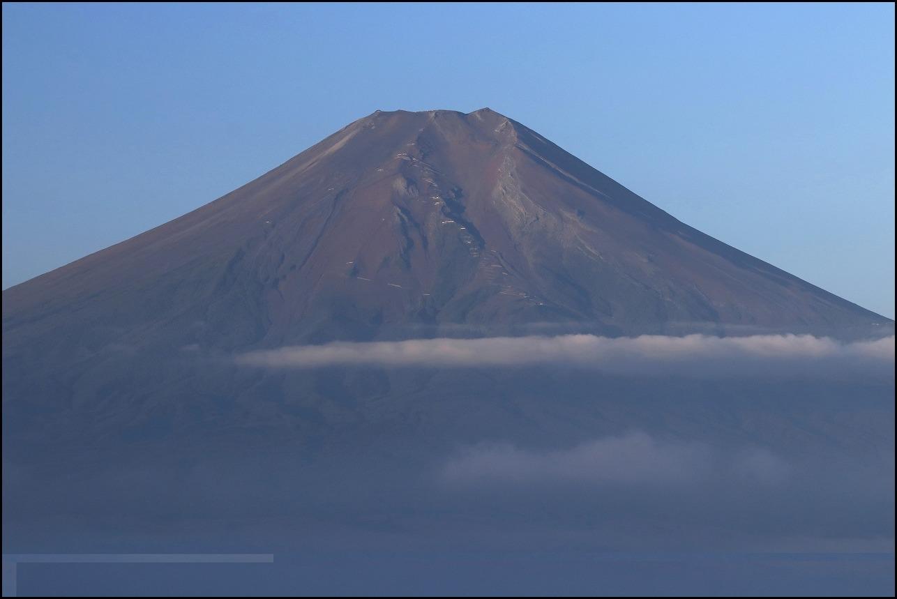 高座山の夜明け_a0188405_19435477.jpg