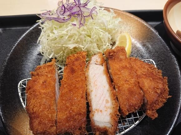 9/16 松のやル・シーニュ府中店 厚切りロースかつ定食 ¥680_b0042308_20133779.jpg