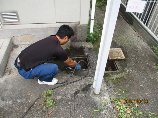 排水管高圧洗浄_d0358411_19091524.jpg