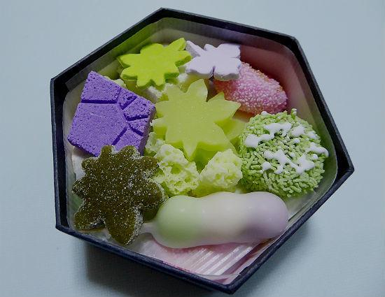 京都女子一人旅・亀末廣(京菓子)_d0039443_14161259.jpg