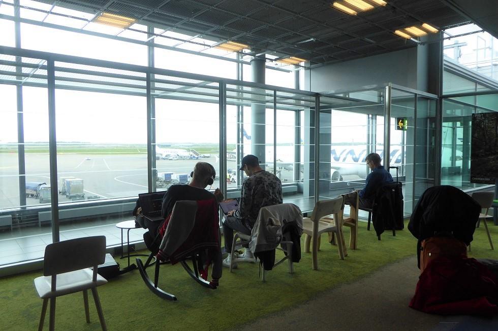 ヘルシンキ空港の Book Swap_d0288144_22454398.jpg