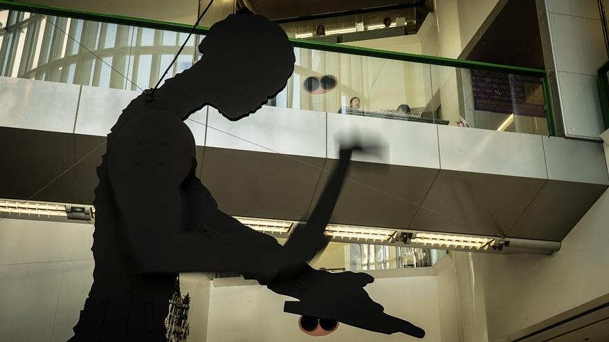 晩夏の美術館に潜む光蜥蜴_d0353489_20533431.jpg