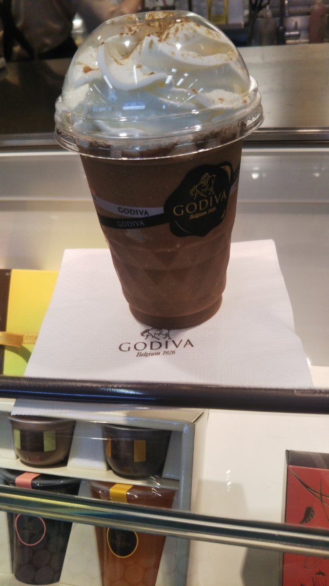 ゴディバ ショコラリキサー ミルクチョコレートチャイティー_f0076001_23174675.jpg