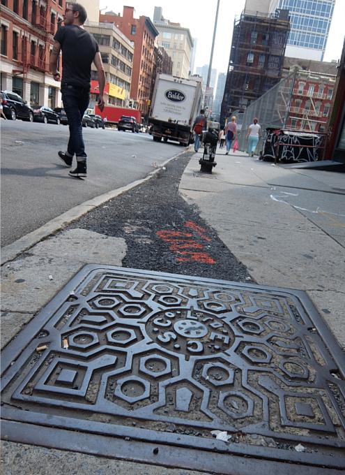 ニューヨーク市のマンホールのフタの忘れられた歴史_b0007805_04145841.jpg