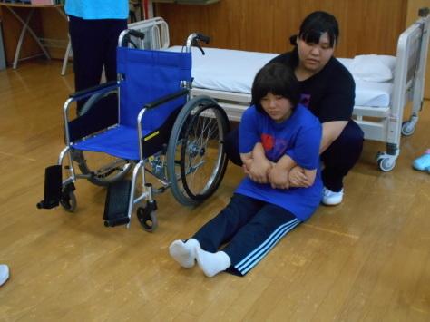 第7回 体験入学 災害介護_b0137422_15553235.jpg