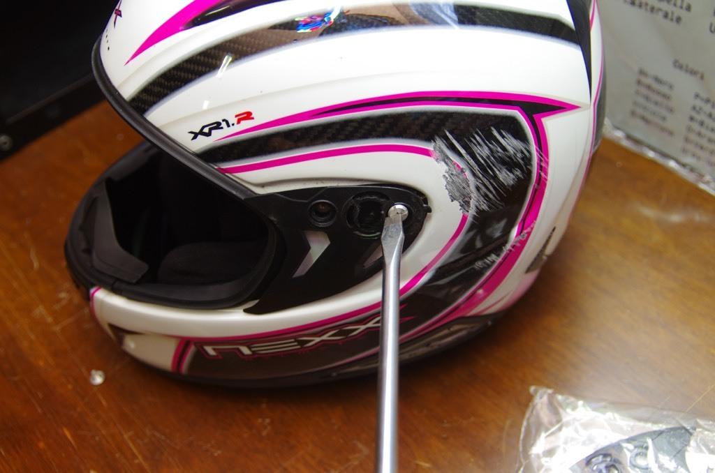 NEXXヘルメット補修_e0159646_11484387.jpeg