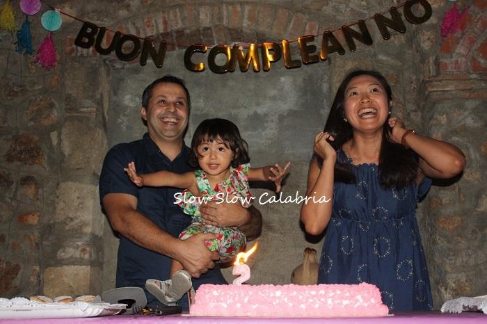 クララ、2歳の誕生日会♪_c0171485_00373381.jpg