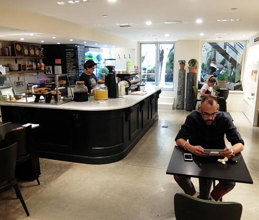 SOHOの超穴場カフェ、The RealReal地下_b0007805_06461607.jpg