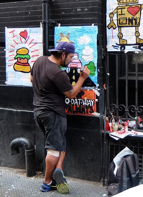 いかにもNYっぽいSOHOの街角アーティスト_b0007805_21261630.jpg