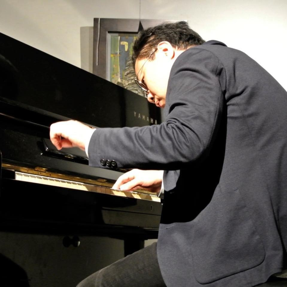 広島 Jazzlive Cominジャズライブカミン   本日18日水曜日のライブ_b0115606_12051924.jpeg