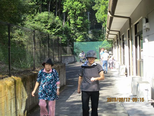 9/17 朝の散歩_a0154110_10135513.jpg