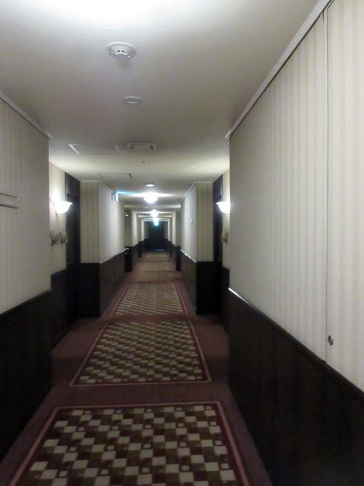 エグゼクティブラウンジのカクテルタイム【ロイヤルパークホテル】_b0009849_12194354.jpg
