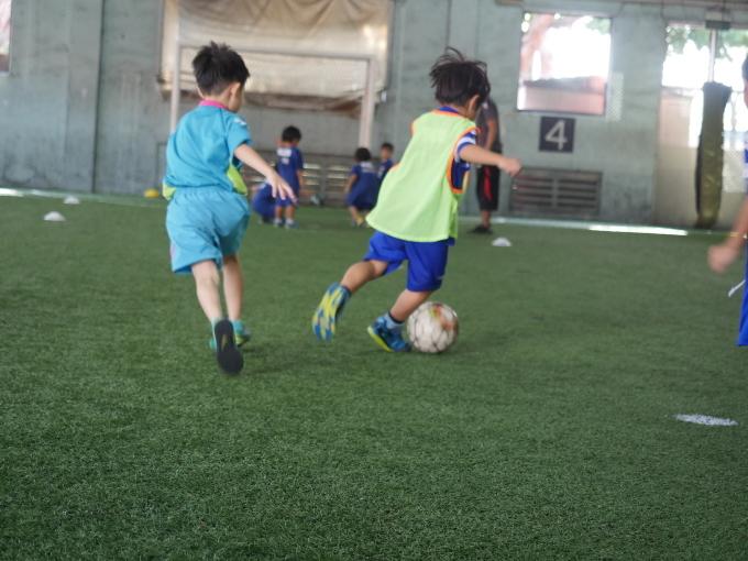 課外クラス サッカー_a0318155_12155387.jpg