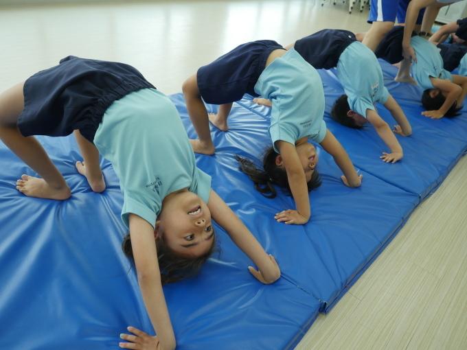 課外クラス 体操教室_a0318155_12343619.jpg