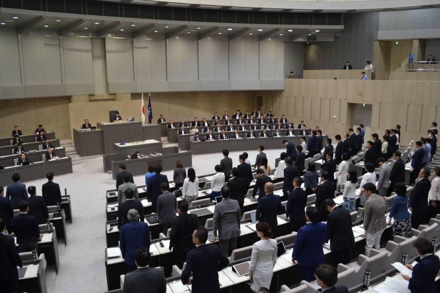 都議会最終日_f0059673_23350270.jpg