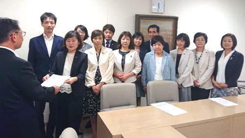 都議会第3回定例会終わる_b0190576_22555166.jpg