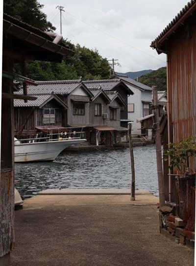 伊根の舟屋めぐり_e0048413_21542009.jpg