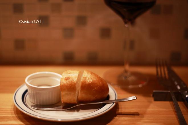 ワイン食堂 Huit(ユイット) ~一人で祝杯を~_e0227942_21505005.jpg