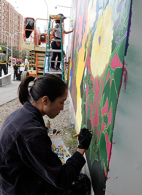 日本人アーティスト、松山智一さんによるバウリー壁画の作り方_b0007805_06583902.jpg