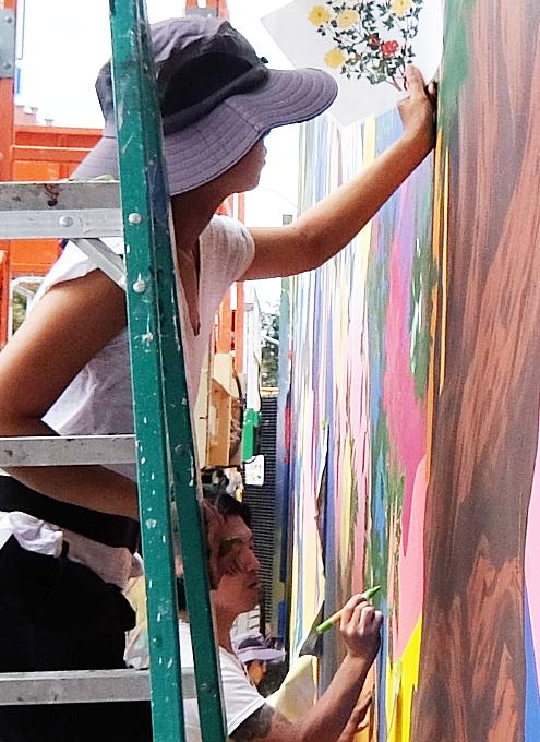日本人アーティスト、松山智一さんによるバウリー壁画の作り方_b0007805_07020328.jpg