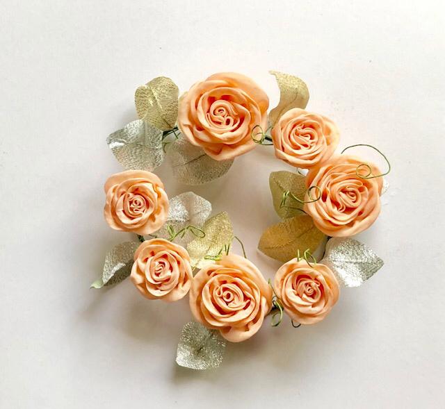 【模範】うーさんのピエール・ドゥ・ロンサールの花冠_c0122475_22050904.jpg