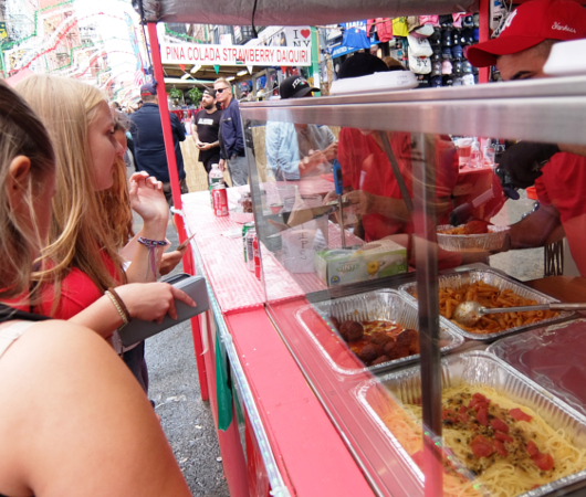 サン・ジェナーロ(San Gennaro)祭の食べ物や屋台の様子 _b0007805_03574150.jpg