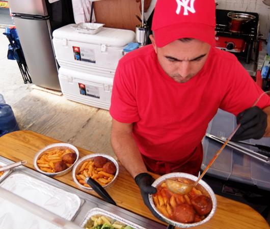 サン・ジェナーロ(San Gennaro)祭の食べ物や屋台の様子 _b0007805_03582258.jpg