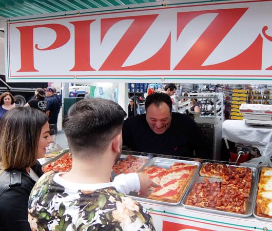 サン・ジェナーロ(San Gennaro)祭の食べ物や屋台の様子 _b0007805_04000360.jpg