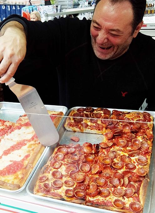 サン・ジェナーロ(San Gennaro)祭の食べ物や屋台の様子 _b0007805_04002686.jpg