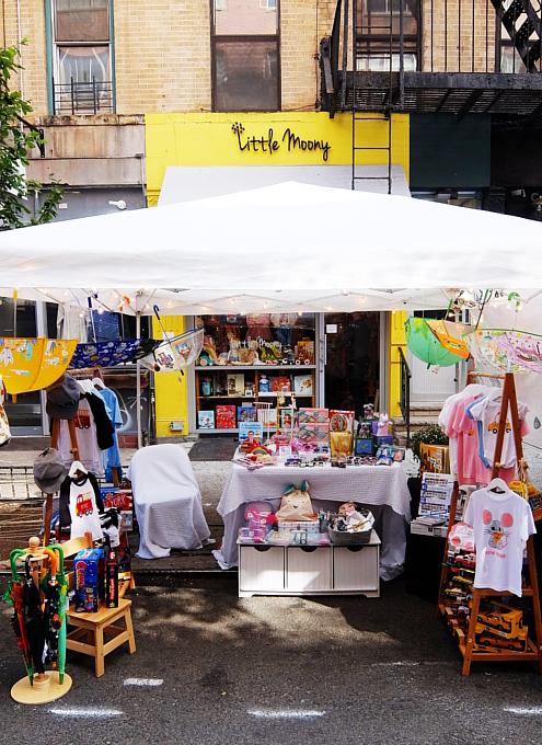 San Gennaro祭、地元子ども服屋のLittle Moonyの可愛い屋台_b0007805_22172578.jpg