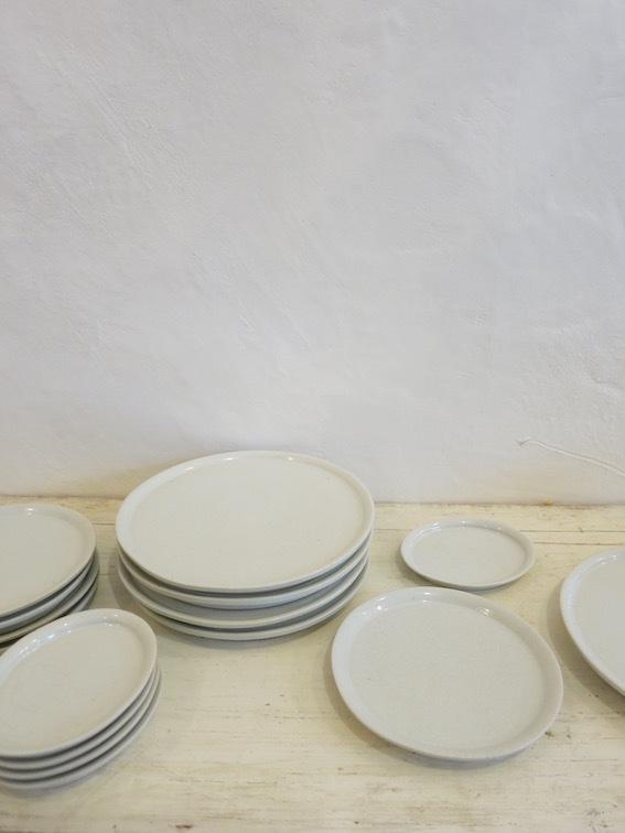 陶や木の皿_e0407037_15371066.jpg