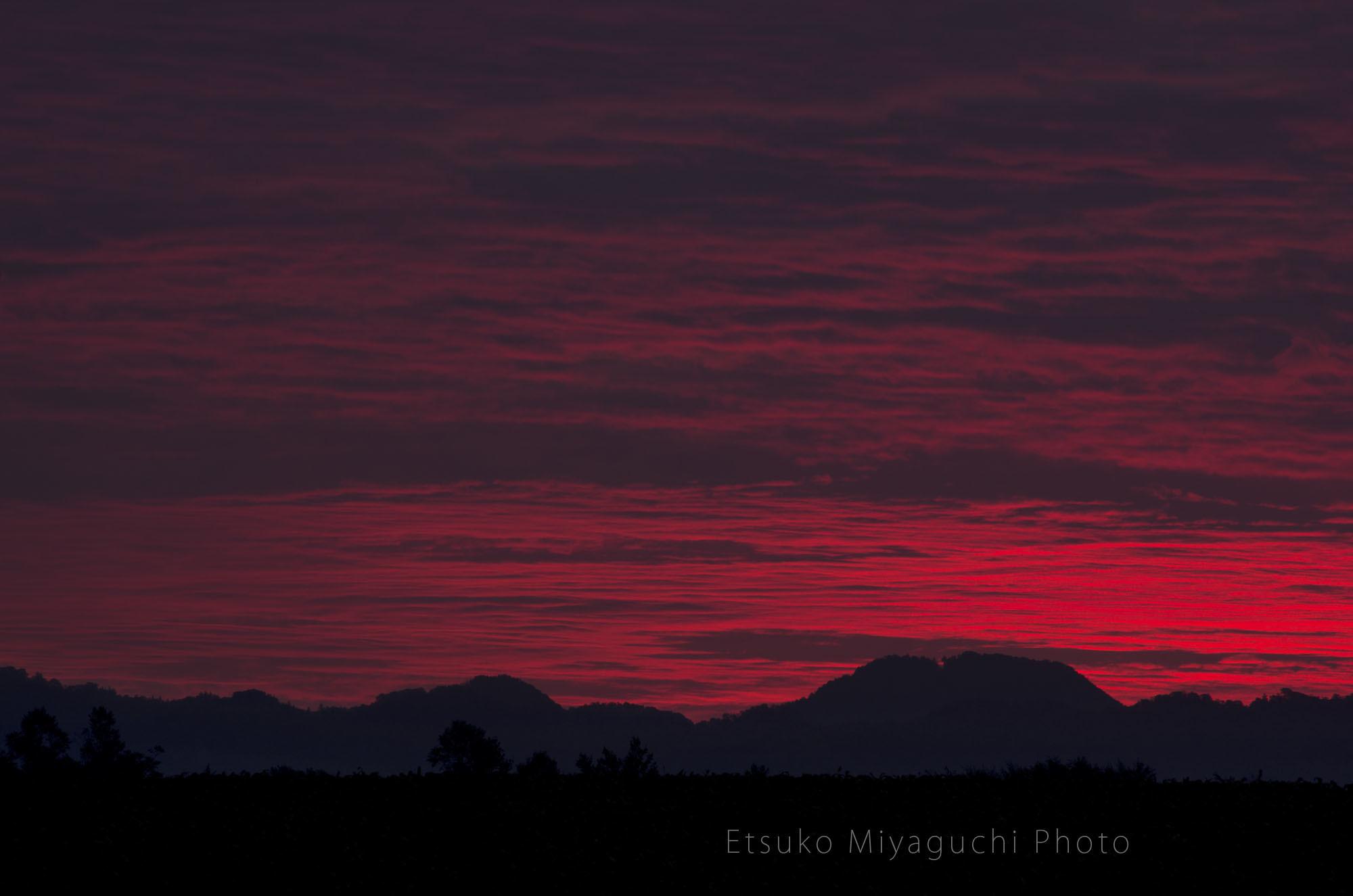 秋の朝焼け_f0152939_16041960.jpg