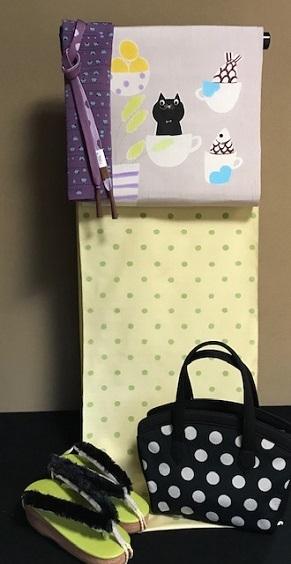 商品紹介・型絵染岡田その子さん・黒猫の名古屋帯。_f0181251_16182070.jpg