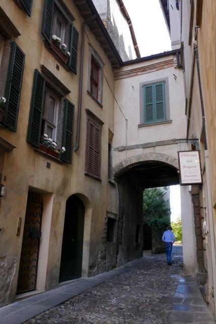 中世の風格ある街 ベルガモ _b0358575_11470282.jpg