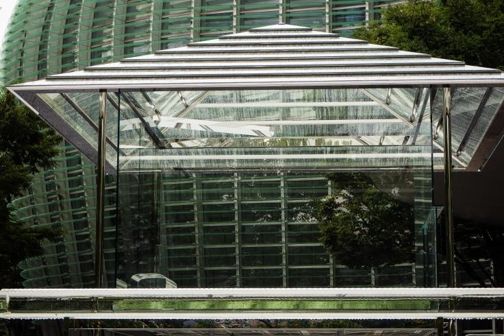 建物は難しい_e0305388_15314633.jpg