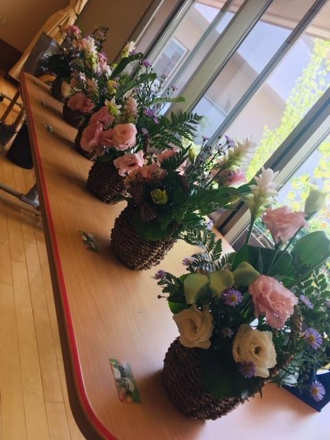 ケアハウスにでお花クラブでした_d0144095_12112795.jpg