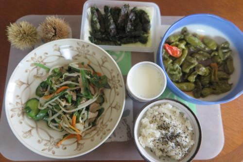 朝トースト&コーヒー: 昼:五目野菜&豚肉煮物 夜:くら寿司の天丼_c0075701_20582775.jpg