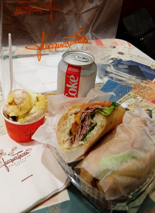 NYの有名店でアイス、コーラ、ローストビーフ・サンド、全部でいくら? Jacques Torres Ice Cream_b0007805_02493369.jpg